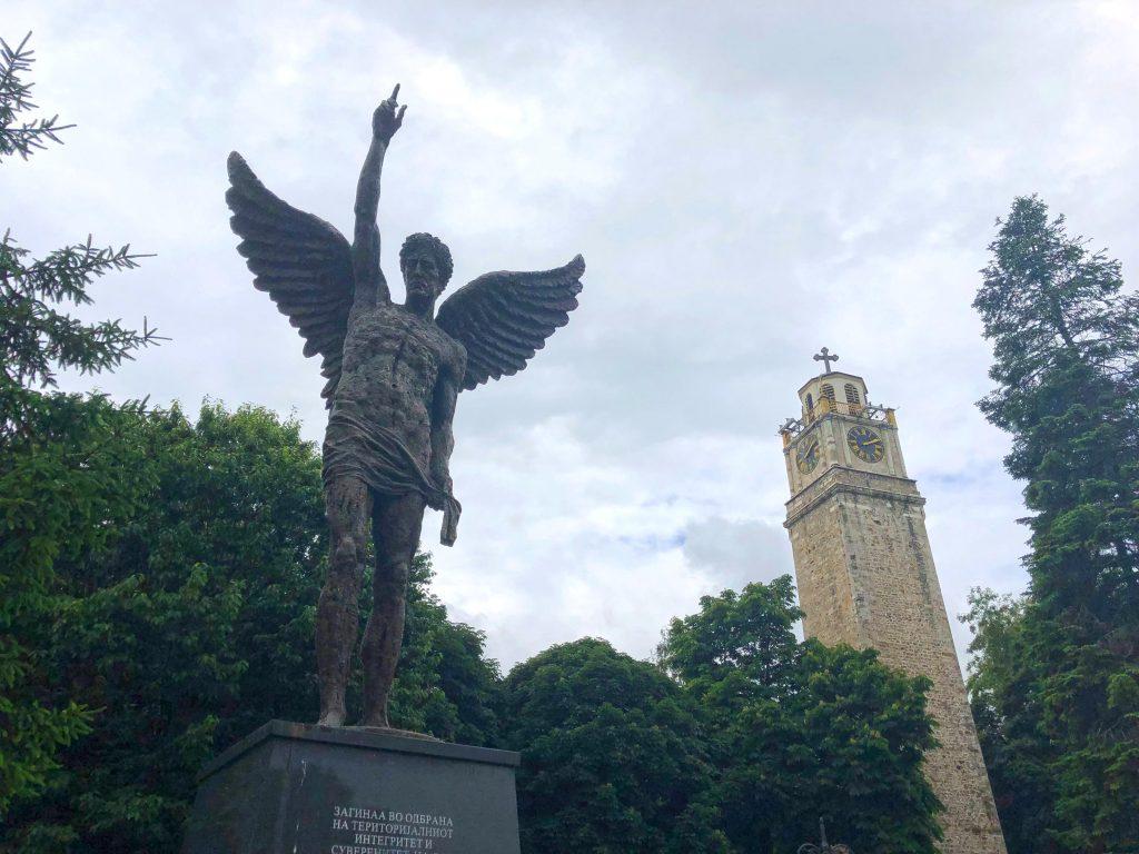 Magnolia Meydanı, Saat Kulesi ve Anıt Heykel Manastır - Bitola Kuzey Makedonya